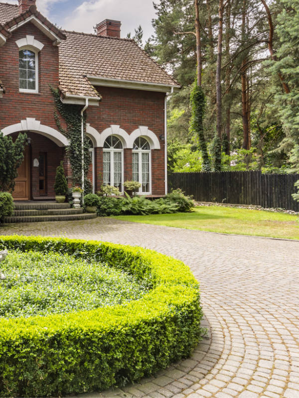 Hampshire Driveways And Patios - Cobbled Block Paving Drive in Waterlooville